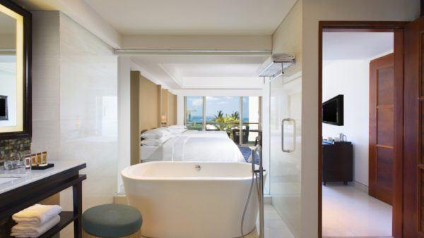 Sheraton-Bali-Kuta-Resort---Deluxe-Ocean-view-Room (1)